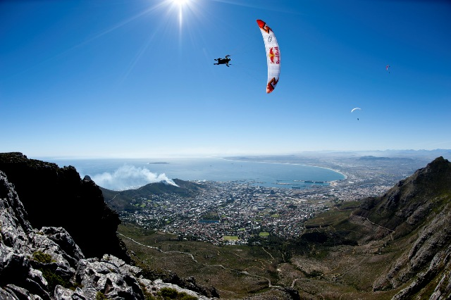 Paragliding Table Mountain