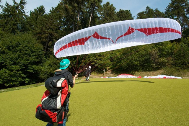 Ozone-Paragliding-Test-Inflation
