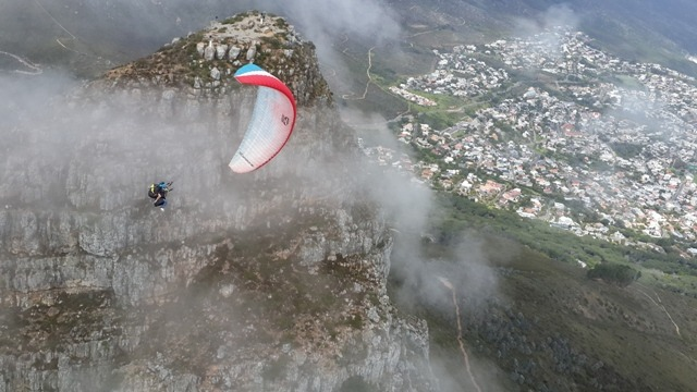 Paragliding-Lions-Head-Kosi